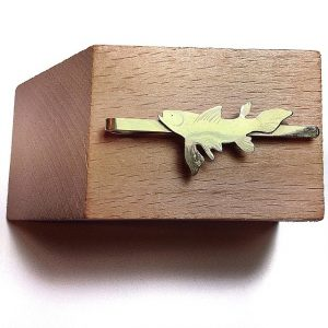 Cut brass Tie clip with fish | PVP. 25 € | Ref. PISCES. 008