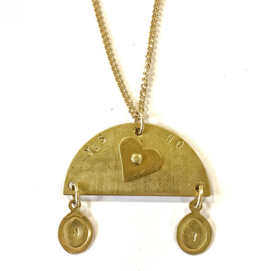 Ouija necklace Yes No detail-Le Voilà