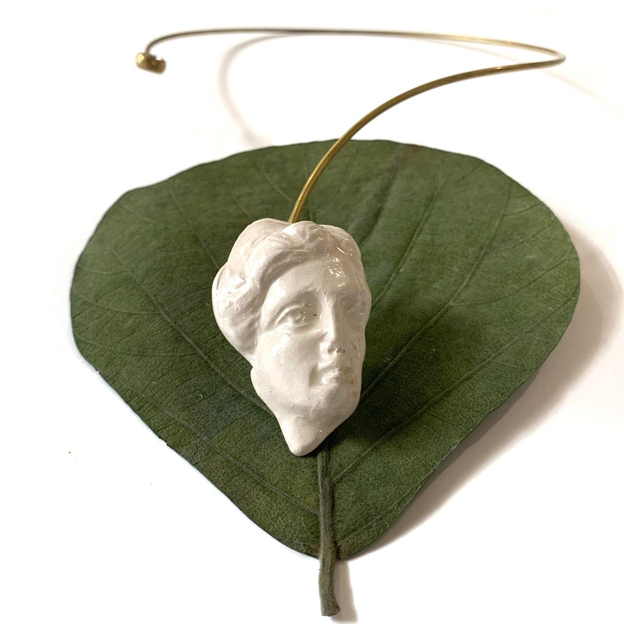 Necklace ARQ Detail - Le Voila