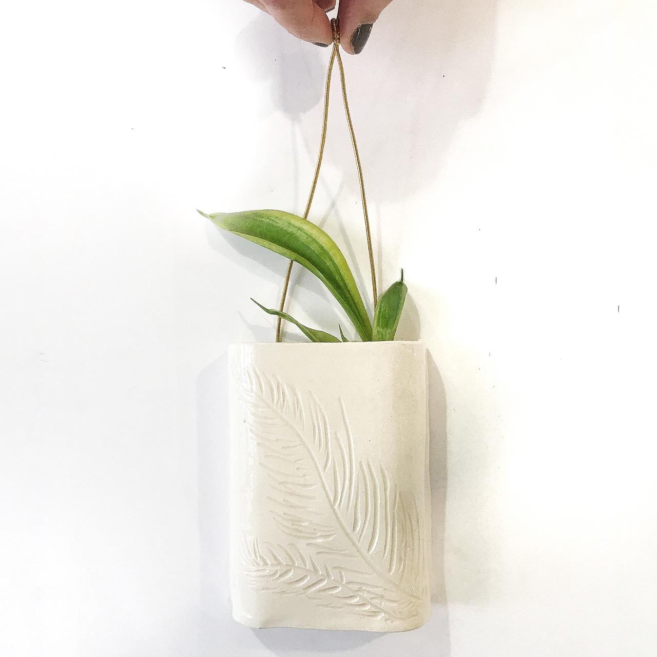 Wall vase I - Le Voilà