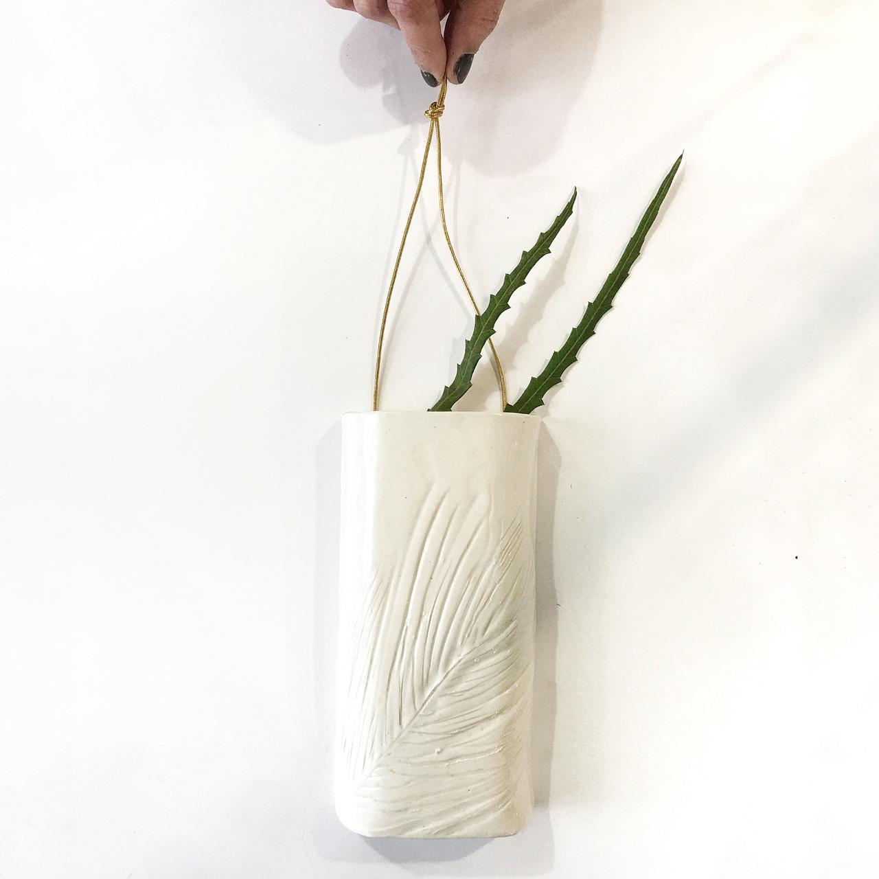Wall Vase II - Le Voila