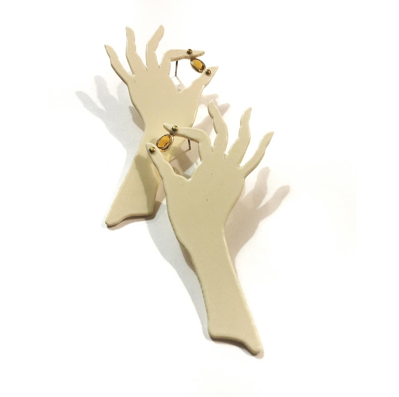 Pendientes manos I - Le Voilà