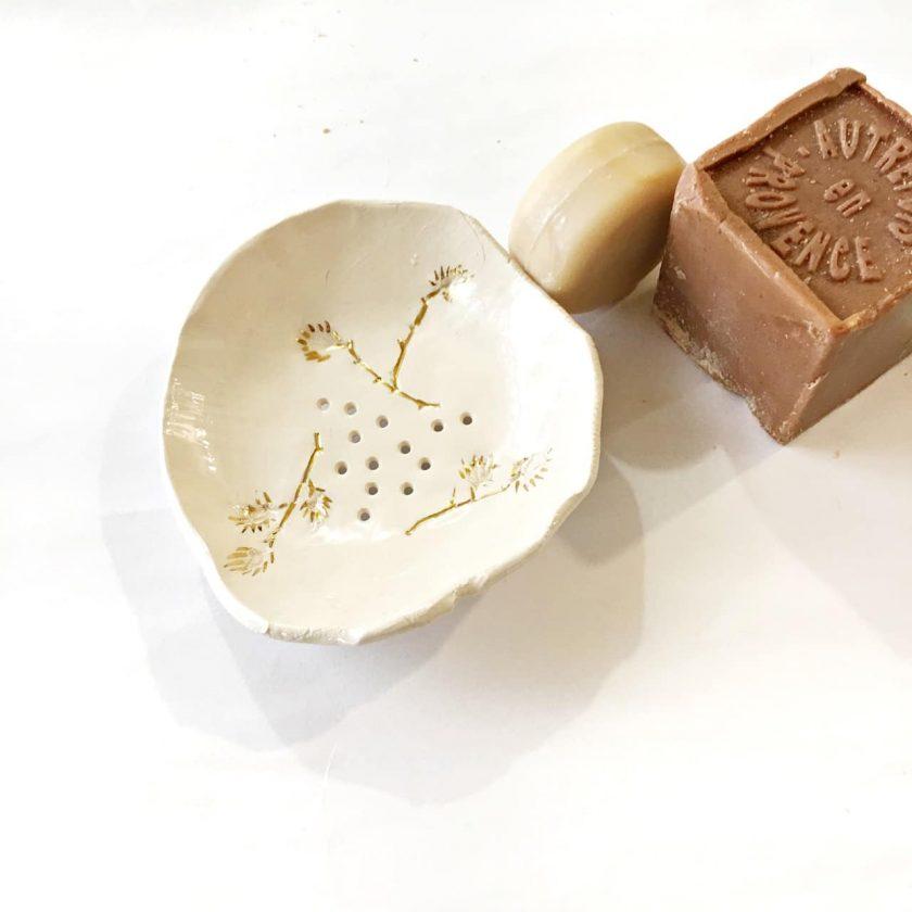 Ceramic soapbox I - Le Voila
